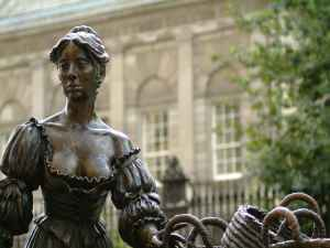 Molly Malone Statue, Lower Grafton Street, close up